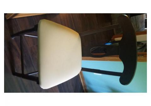 Set of 3 counter height stools